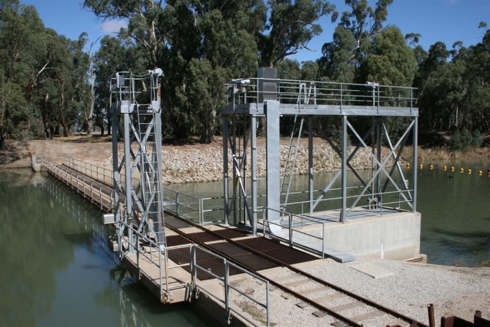 Impacts of weirs on downstream passage of native fish in the Murray-Darling Basin